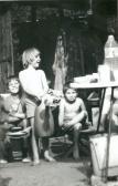 A gyerekek: Csaba, Sári, Zoli, Debrecen, 1984,