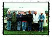 A Patak Csoport útban Finnország felé (balról: KÉRI Mihály, GUBIS Mihály, HANN Ferenc, SOMOGYI György, AKNAY János, PUHA Ferenc, PENYASKA László), 1999,