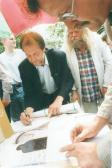 VLS könyvbemutató (balról: AKNAY János, BEREZNAI Péter, NOVOTNY Tihamér), Budapest, Vörösmarty tér, 2000,