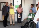 KEVE Galéria (balról: AKNAY János, BALOGH László; tolókocsiban: SOMOGYI György; mögötte: KŐSZEGI János), Ráckeve, 2007,